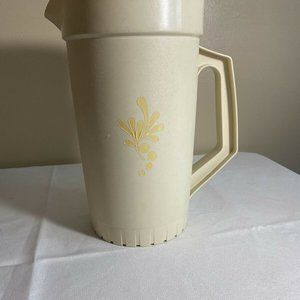 Vintage Tupperware Harvest Gold 1 Quart Pitcher 87